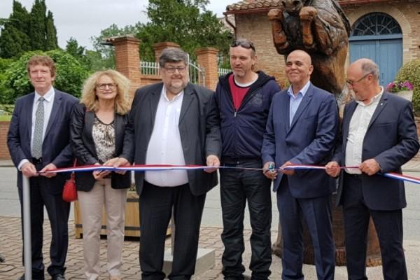 Inauguration de la statue Persik à Vigoulet-Auzil