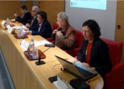 Martine CERF, secrétaire générale d'EGALE, avec Nadia EL FANI,  cinéaste, Nelly JAZRA BANDARRA, Vice-présidente de l'AFEM,  Saïda DOUKI DEDIEU, Psychiatre, Jean MAHER, Président de l'Union Egyptienne des Droits Humains, représentant des Coptes en France
